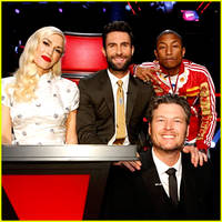 'The Voice' Judges Perform a Christmas Song on Season Finale